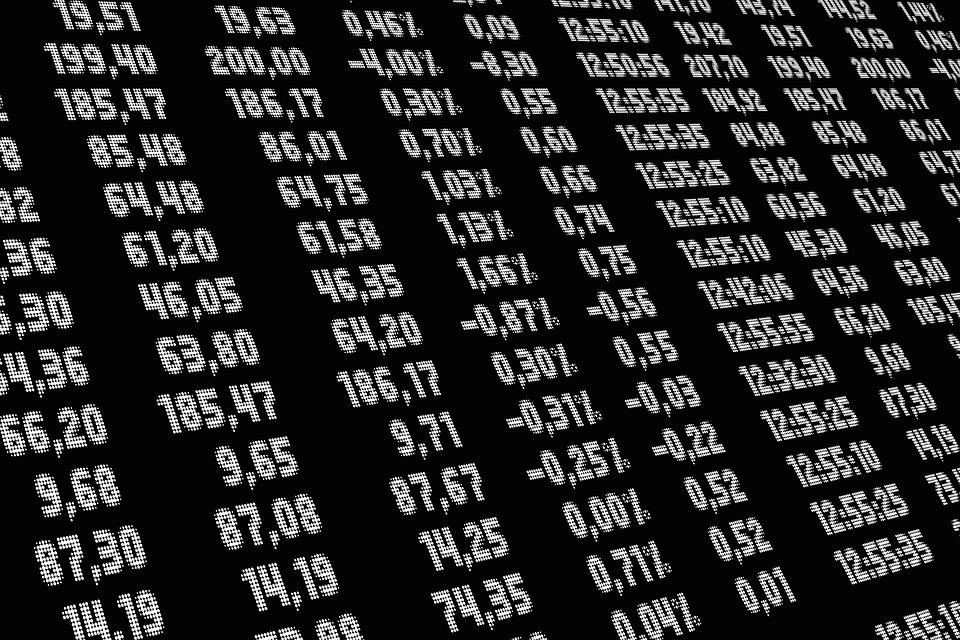 stock-exchange-3972316_960_720 (1)